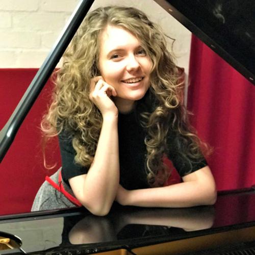 Alexa Stier